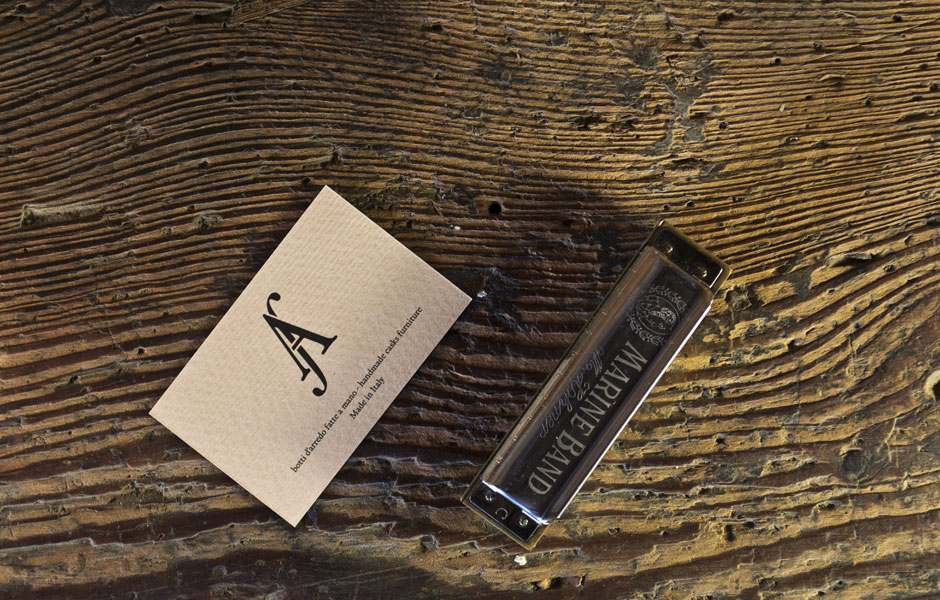 businesscards mockup harmonica inspiration furniture barrel handmade artisan craft madeinitaly wood wooden luxury whisky wine logo monogram